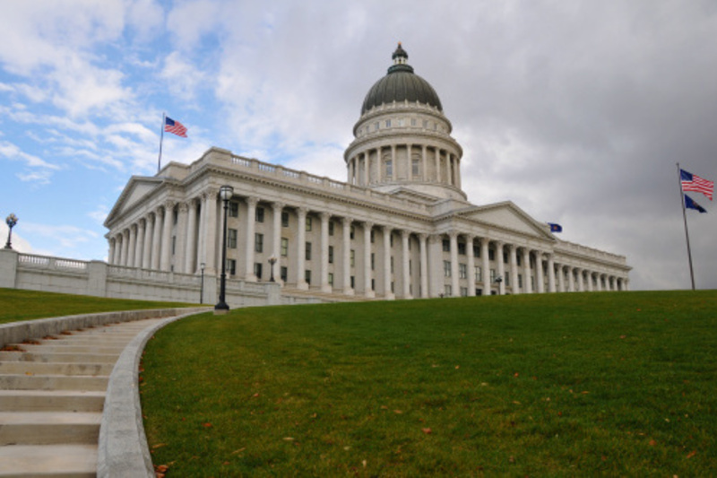 Ex-lawmaker drives passage of Utah push poll bill