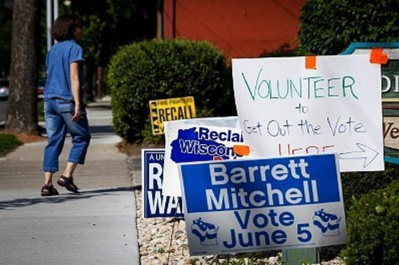 Timing your campaign signs